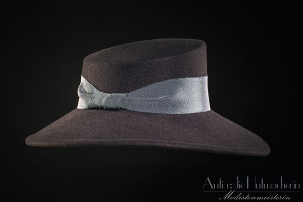 Woman Tophat